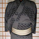 男の和服着物、帯位置、正しい