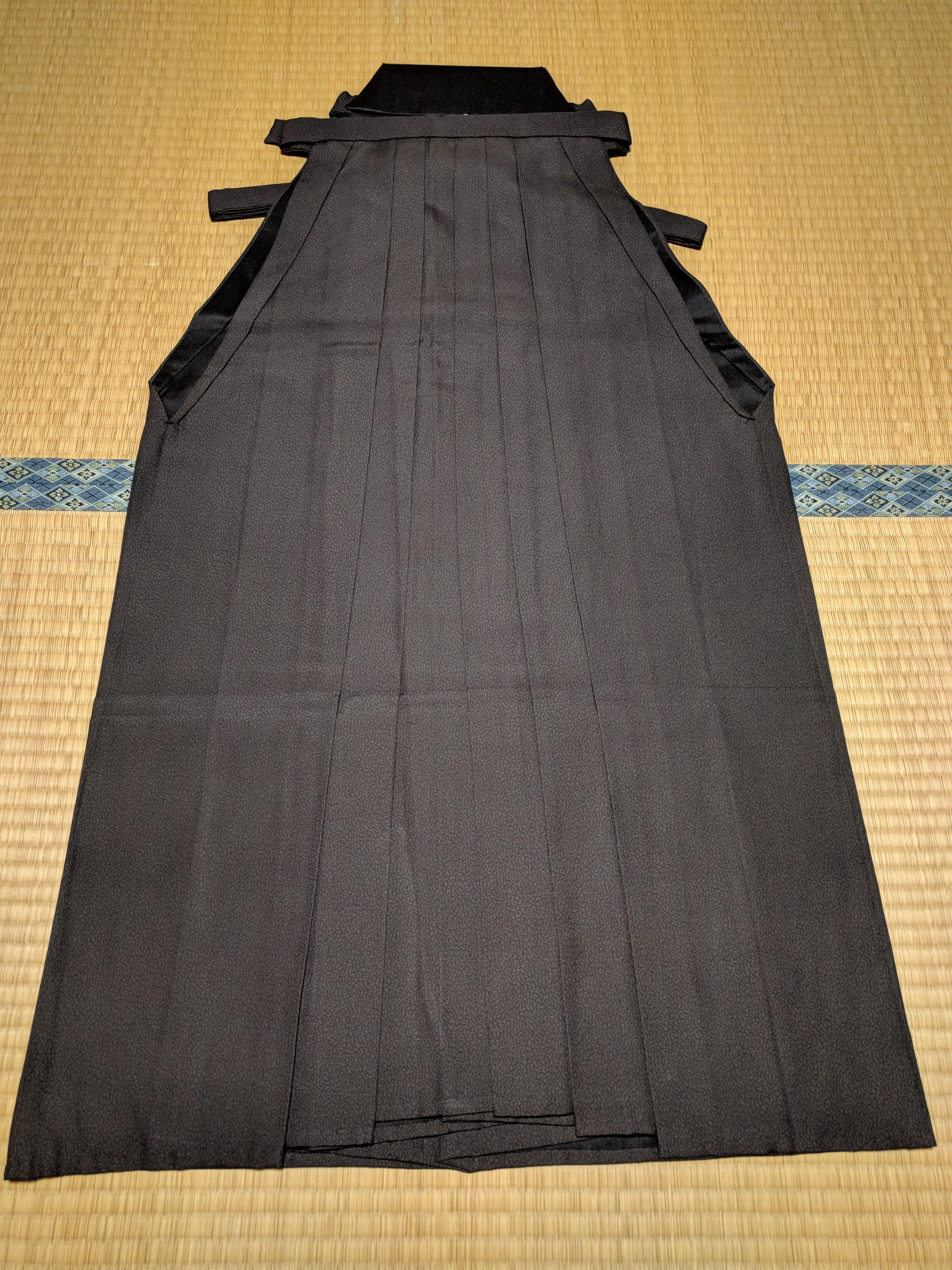 男着物,モッズ,メンズ着物,和服,和装,裏着物,袴,行灯,狐面,正面,