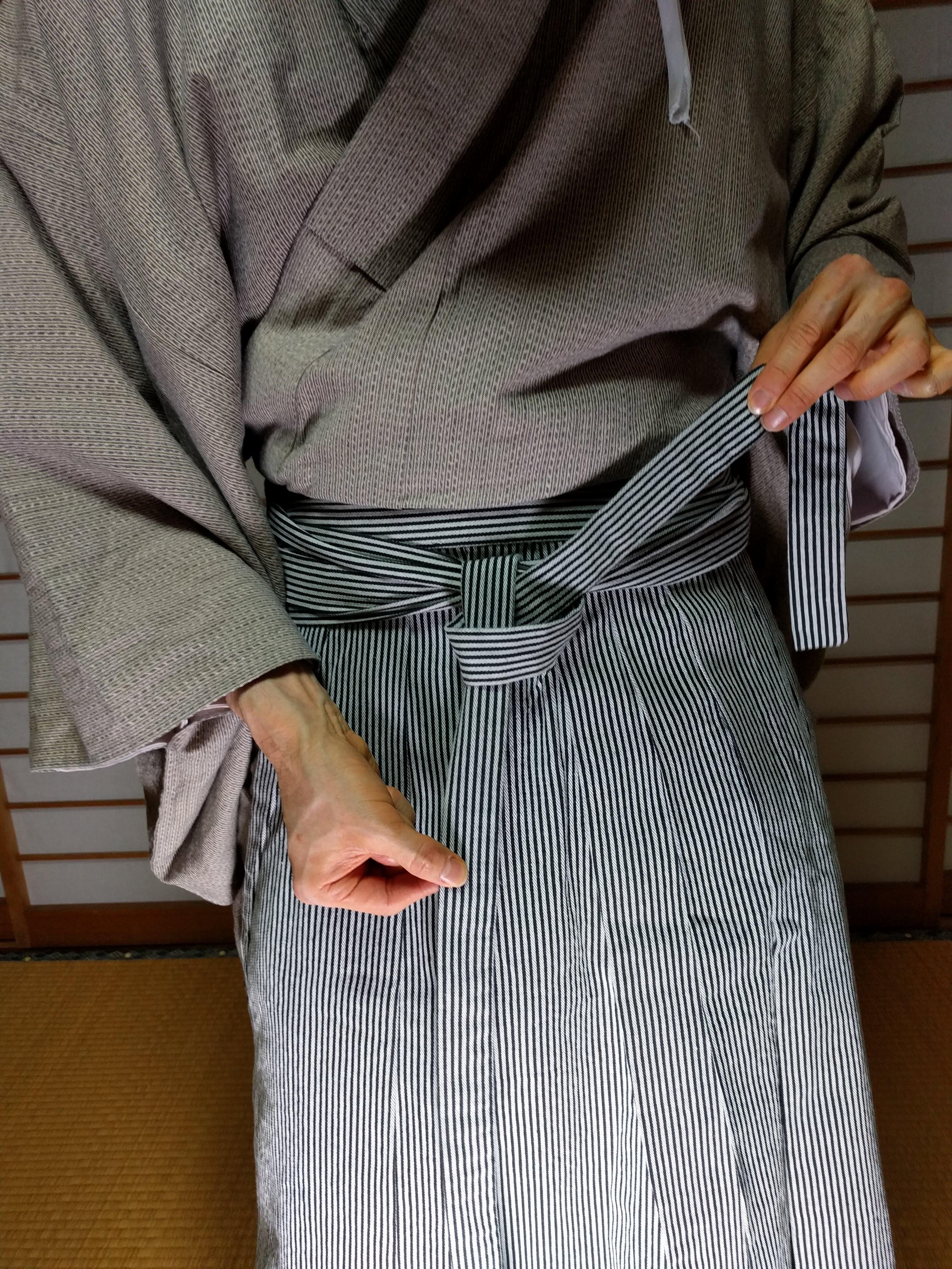 男着物,モッズ,メンズ着物,和服,和装,裏着物,袴,平袴,狐面,着付け,
