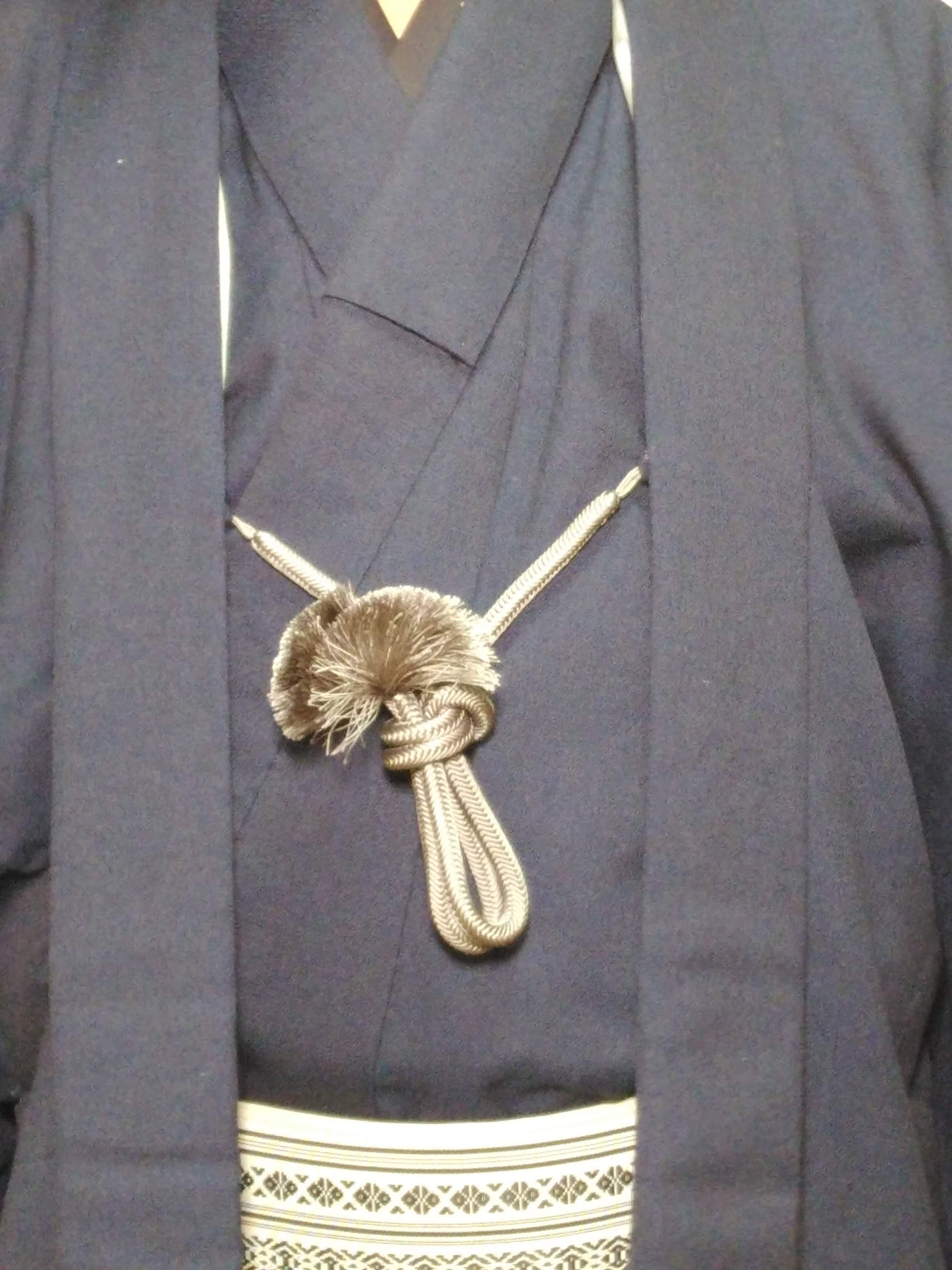 男の和服着物,モッズ,メンズ着物,和装,裏着物,羽織紐,ちょん掛け,狐面,結び方,