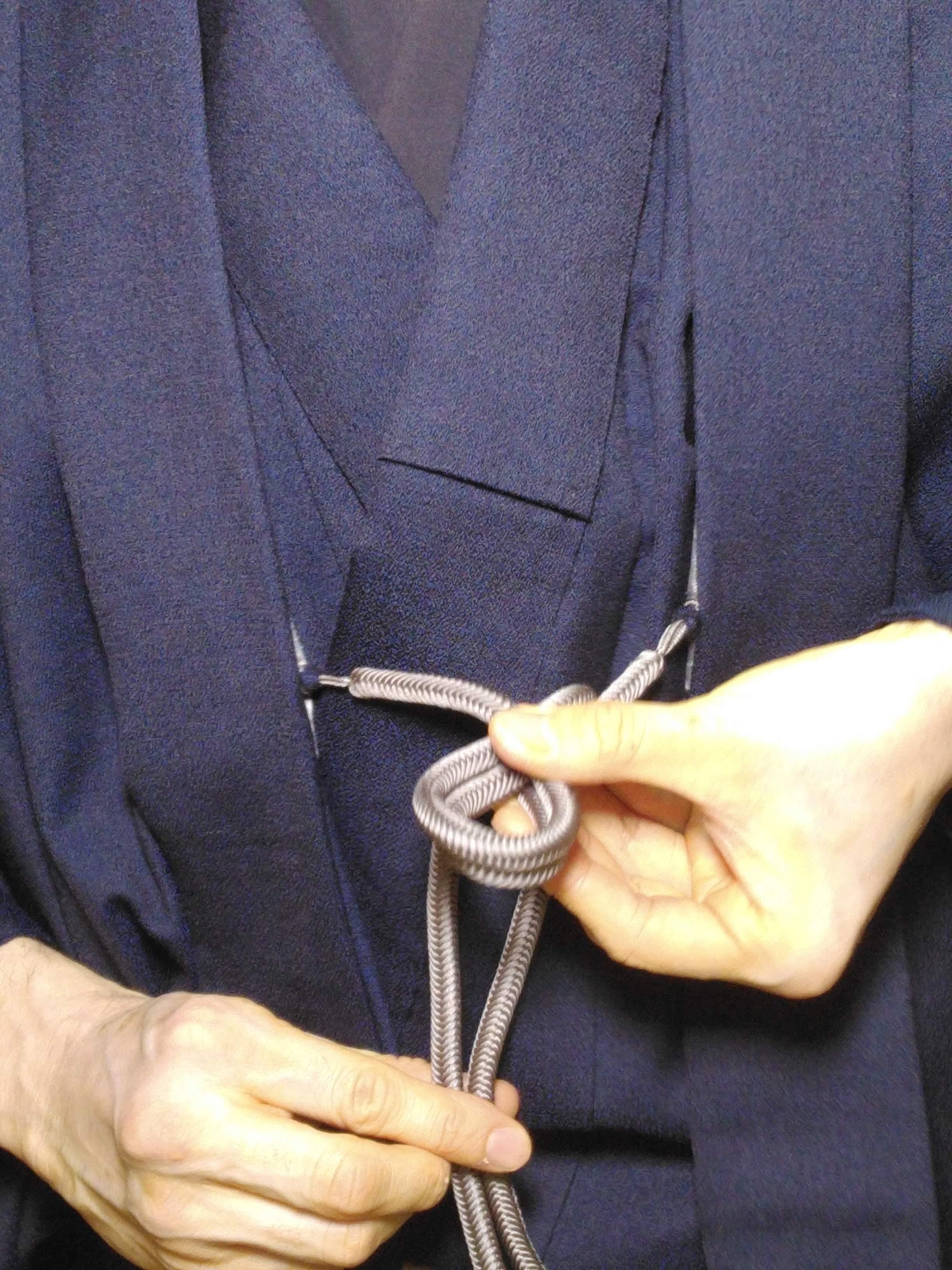 男の和服着物,メンズ着物,結び方,羽織紐,一重結び,和装,種類,狐面,日本,裏着物