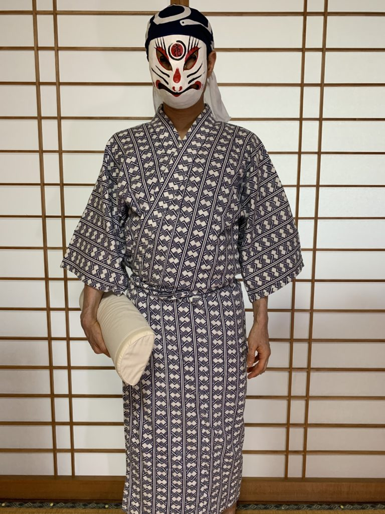 男の和服,メンズ着物,狐面,日本,裏着物,和,文化,寝床,